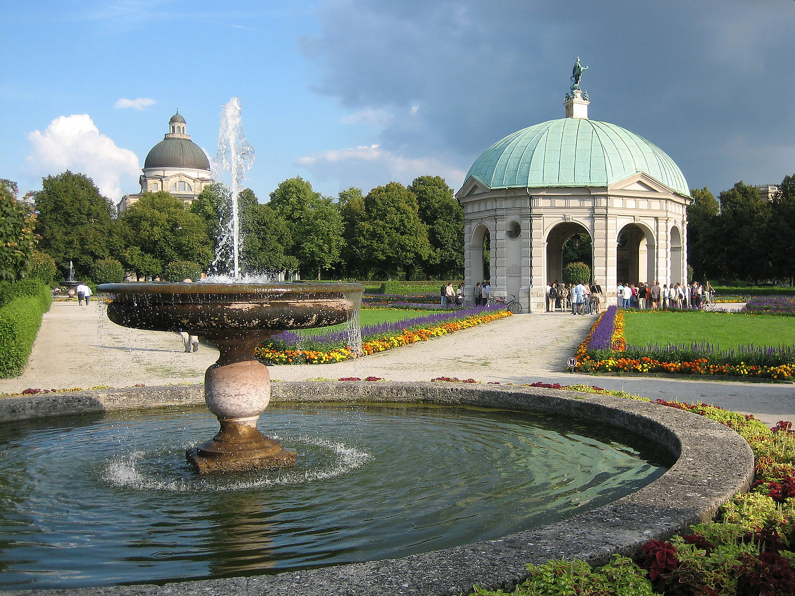 München Hofgartentempel - Garden built in 1613–1617 by Maximilian I, in the style of Italian Renaissance garden -  Credits to Ikiwaner